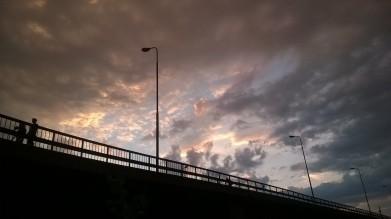 bro i sommarnatten